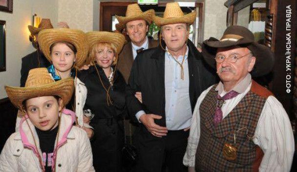 Ющенко развлекся в Германии за пивом и картами
