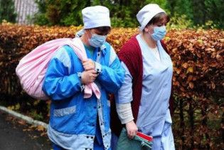 В Запорожье 40 учеников интерната слегли с неизвестной инфекцией