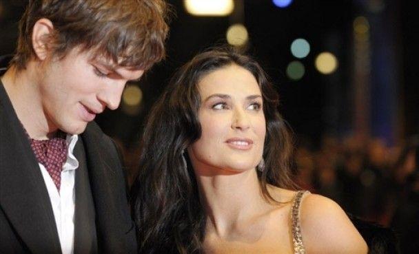 Эштон Катчер изменил Деми Мур в годовщину свадьбы