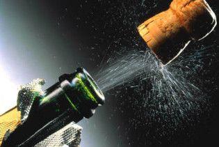 """Американский миллионер устроил """"душ"""" из шампанского за 192 тысячи долларов"""