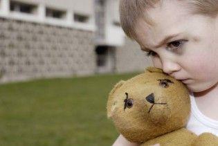 На Житомирщине женщина усыновила 3-летнего мальчика и забила его до полусмерти