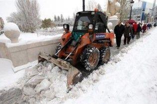 Снег из Киева вывозят в близлежащие села