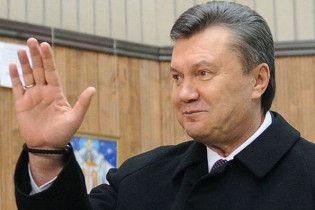Янукович: новое правительство будет безотлагательно брать кредиты за рубежом