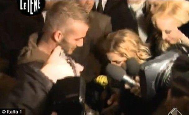 """Итальянская журналистка измеряла """"достоинство"""" Бекхэма"""
