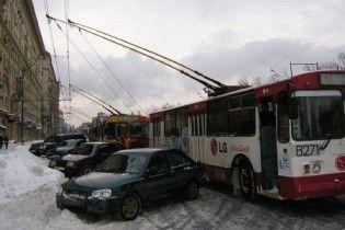 Харьковские трамваи и троллейбусы третий день не выходят на маршруты