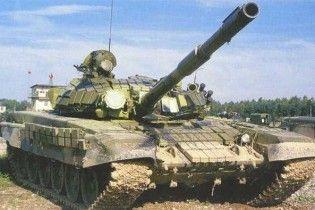 Минобороны России бросило в лесу без охраны 200 танков Т-72