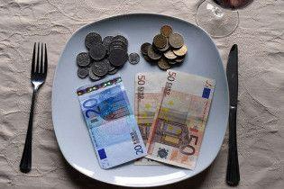 Украинцы тратят на питание больше всех в Европе