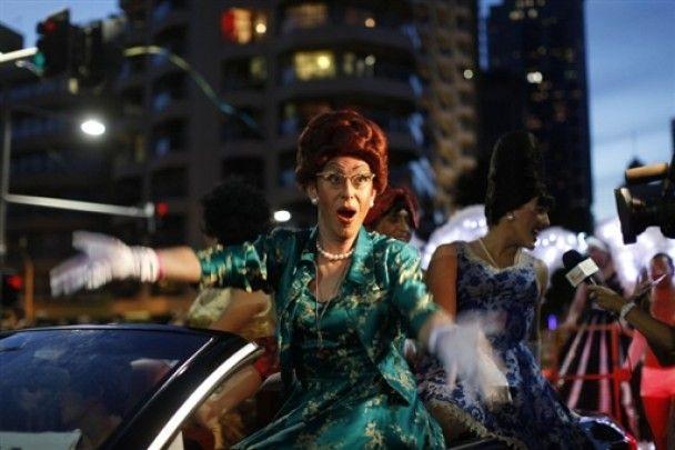 В Сиднее прошел забег геев в розовых туфлях