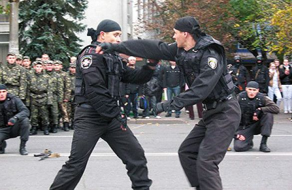 Бійці внутрішніх військ