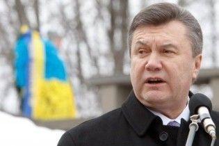Янукович на могиле Шевченко процитировал Ивана Бунина