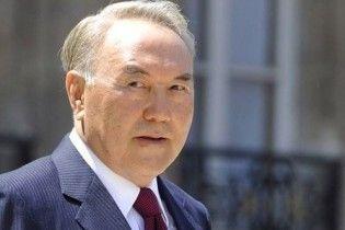 Назарбаев официально стал лидером нации