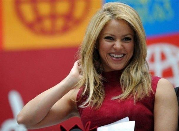 Шакира бросила сына президента
