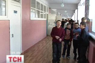 На Жимомирщине юрист интерната присвоила 100 тысяч сиротских гривен