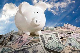 Украинцы начали массово скупать доллары