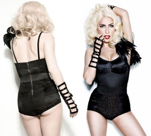 Lady GaGa надела мокрую футболку на голое тело