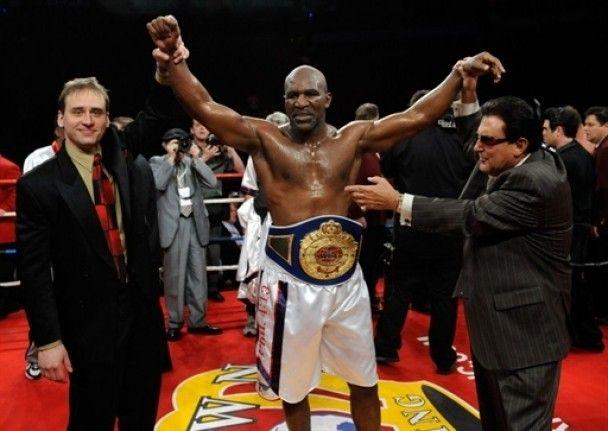 Пенсионер Холифилд стал чемпионом мира в 47 лет