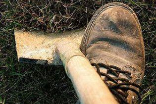 На Киевщине мужчина, не поделив любовницу, зарезал соперника и закопал тело во дворе