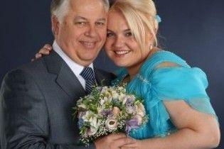Жена Симоненко на седьмом месяце беременности