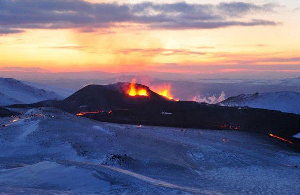 Вулкан в Исландии решили забетонировать