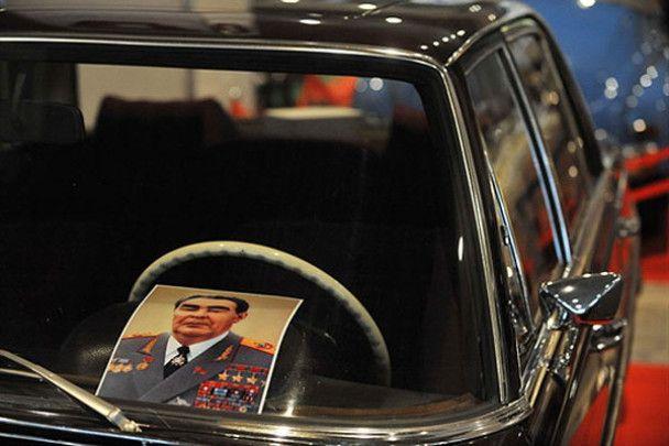 В Киеве открылась уникальная выставка ретро-автомобилей