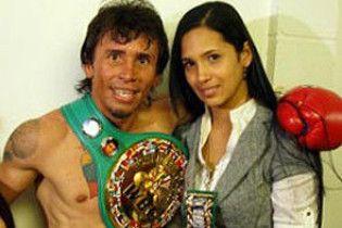 Непобедимый чемпион мира по боксу покончил с жизнью
