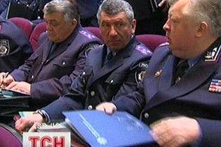 Оппозиция требует уволить главу МВД из-за крымских татар