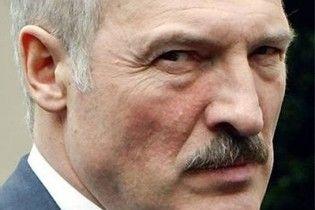 Лукашенко пожаловался военным на российские диктат и шантаж