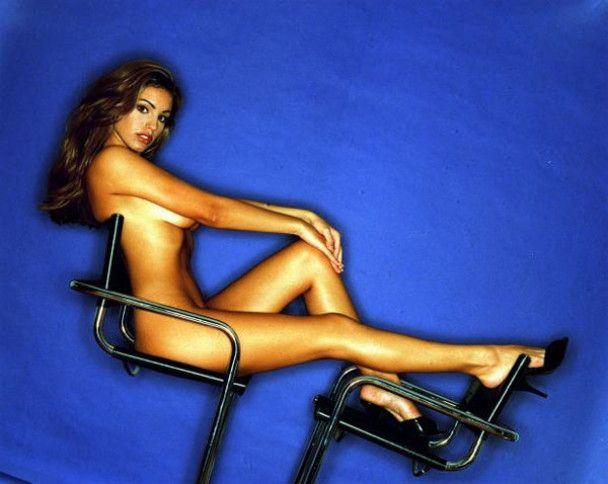 Келли Брук разделась для журнала Maxim
