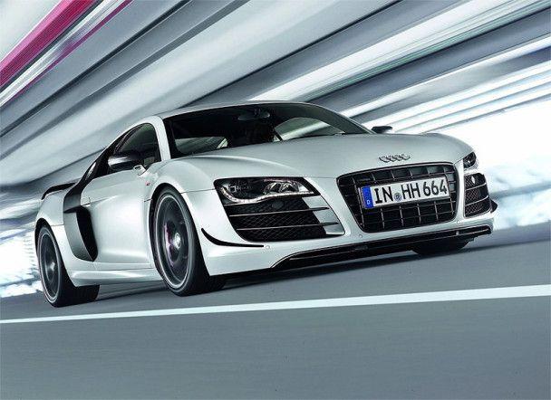 Audi представила самый мощный и легкий суперкар R8