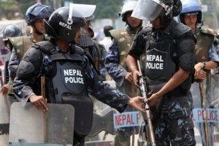 В Непале заблокированы 3 украинца и россиянка