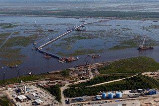 В США признали беспомощность армии в борьбе с разливом нефти