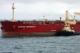 Россияне освободили свой танкер от пиратов