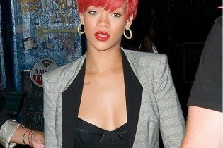 Рианна променяла своего менеджера на Jay-Z