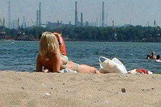 В Киеве в разгар лета закрыли большинство главных пляжей
