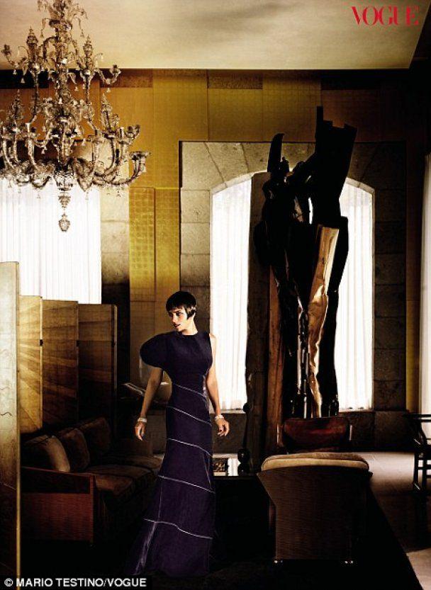 Фатальная фотосессия Холли Берри для Vogue