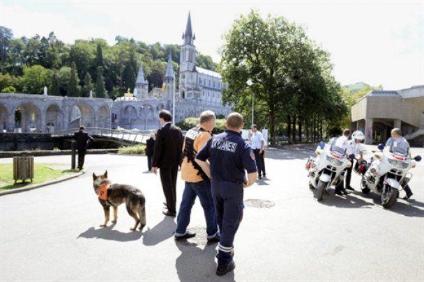 У Франції через загрозу теракту евакуювали тисячі паломників