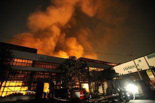 Порушено кримінальну справу за фактом пожежі на складах побутової техніки у Києві