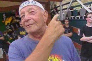 Пенсіонер за один день прокотився на американських гірках 90 разів