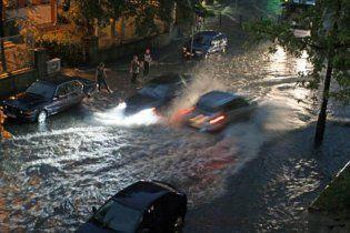 Во Франции из-за дождей эвакуировано более тысячи туристов