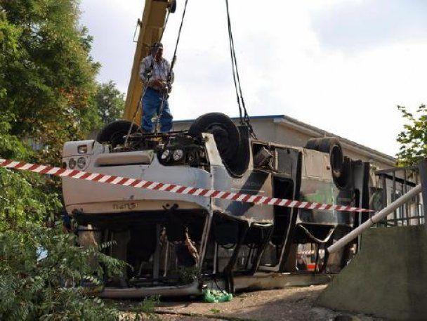 В Одесі перекинувся пасажирський автобус: є жертви