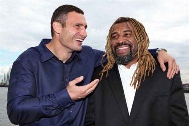Виталий Кличко пообещал победить Бриггса нокаутом