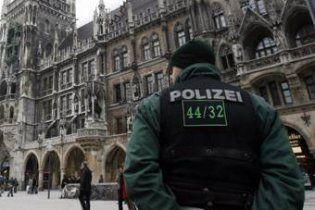 В Германии 12-летние девочки в пижамах ночью угнали машину