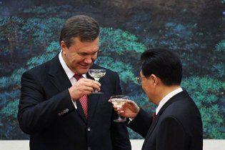 Експерти: Україна намагається догодити Китаю