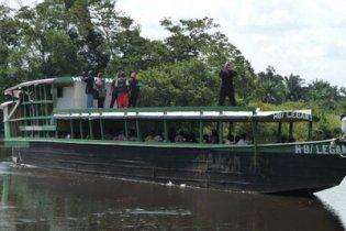 В Конго затонуло судно: 200 человек пропали без вести