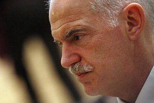 Во время политического кризиса премьер-министр Греции уходит в отставку