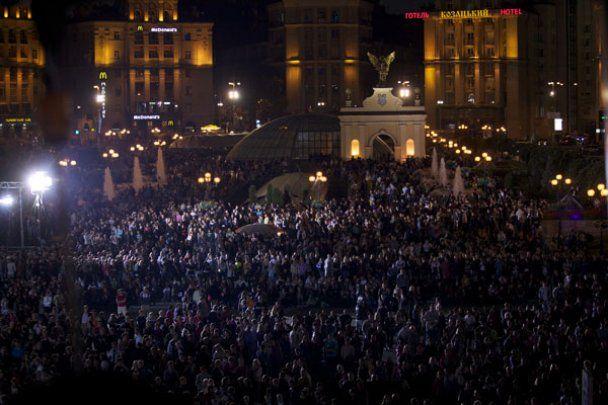 """""""1+1"""" собрал на Майдане более 100 тысяч человек"""
