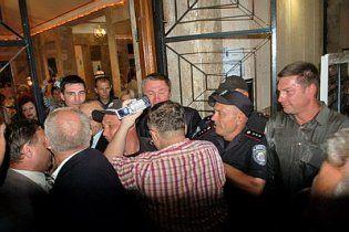 "Скандал в Херсоне: охрана мэра-""регионала"" побила журналиста (видео)"