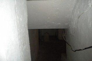 Жінці, яка обливала сина холодною водою і замикала в підвалі, загрожує 850 грн штрафу