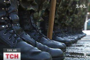 Міноборони відхрещується від проституції в армії