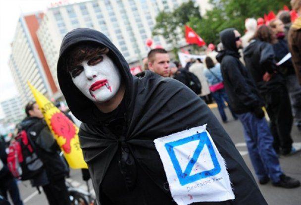 Европу охватили забастовки: Запад на пороге социального взрыва